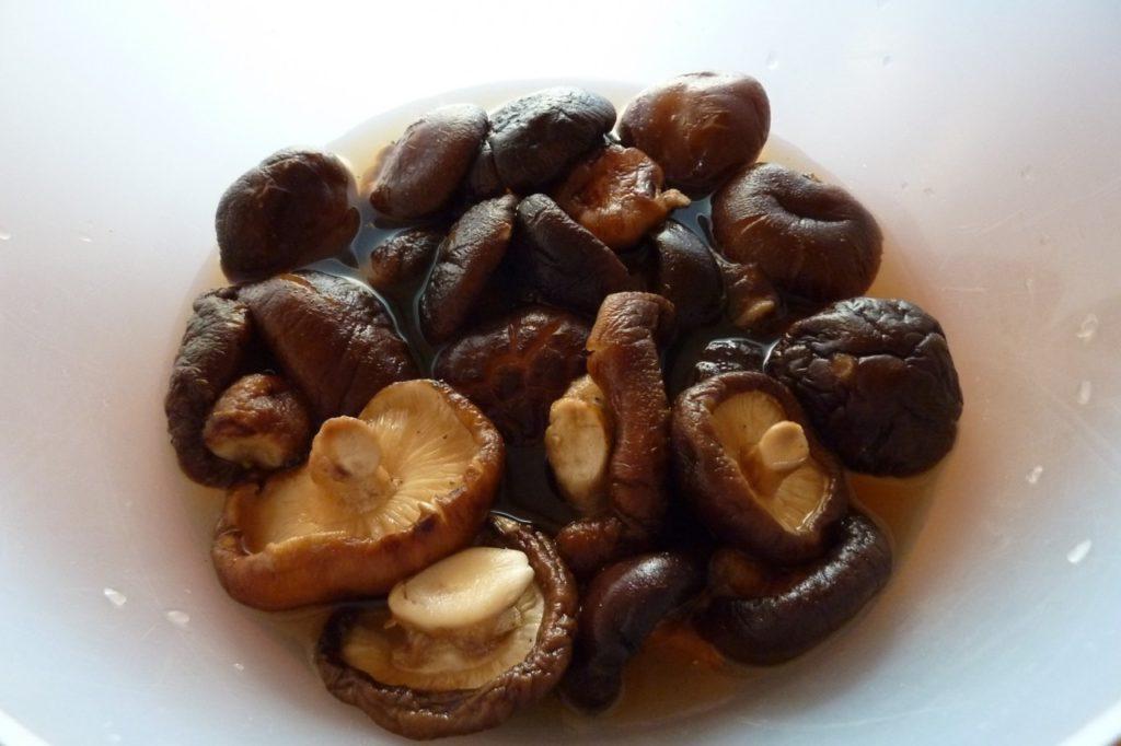 Сколько варить грибы{q} Как варить сушеные и замороженные грибы{q}